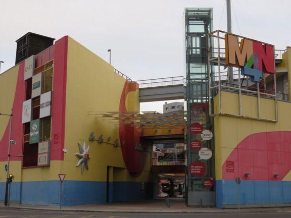 mn4 centro comercial fachada