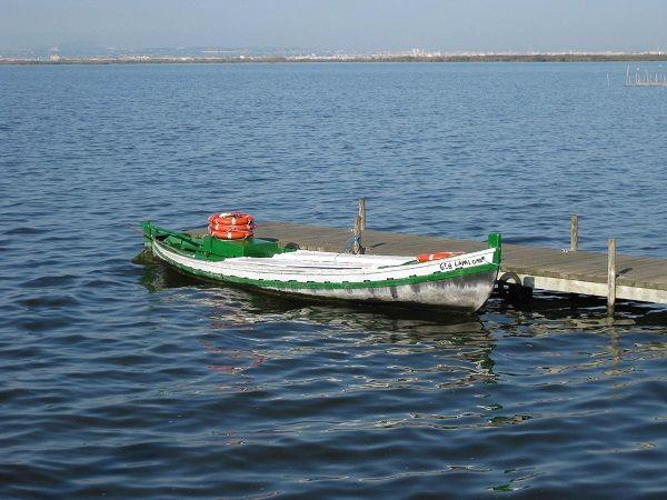 barca parque natural de la albufera
