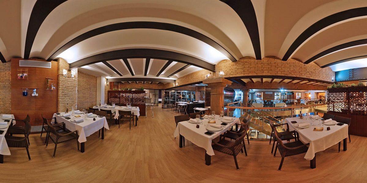 El restaurante Q'TOMAS en pleno centro de Valencia valencia