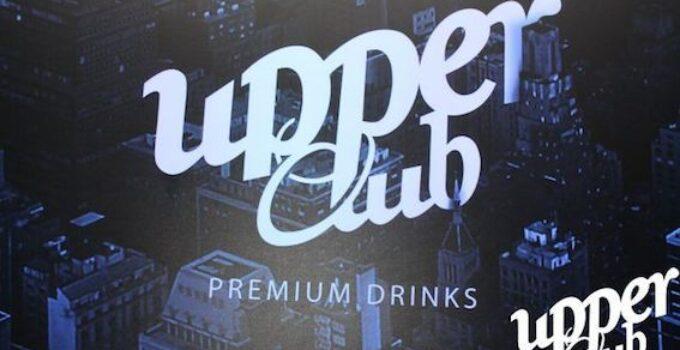 Upper Club, pub con zona vip y gintonic premium en Cánovas