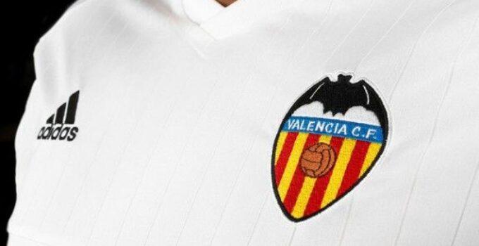 Hazte con la nueva camiseta del Valencia CF