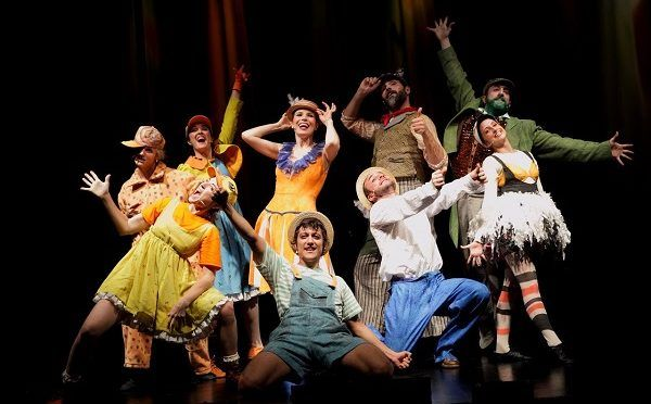 El musical del patito feo (L'aneguet lleig) en el Escalante