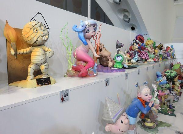 Berbagai macam bentuk karakter tersaji dalam festival tahunan ini.