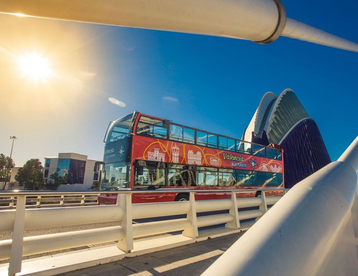 Conoce toda la ciudad con el Valencia Bus Turístic valencia