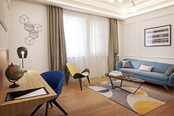 one-shot-hotel-reina-victoria-salon
