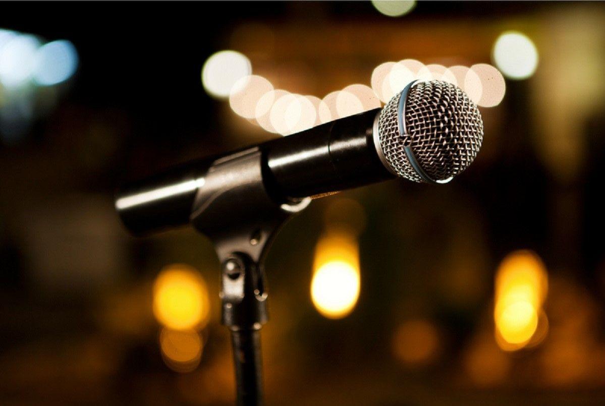 microfono monologo
