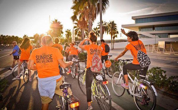 Disfruta pedaleando al amanecer en Valencia en la Sunrisebike Ride