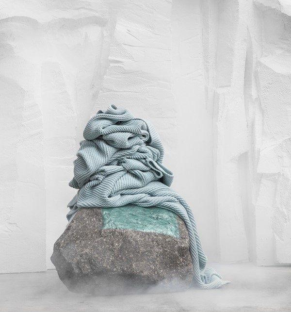 ikea novedades octubre  ingabritta manta acrilico algodon azul claro lowres