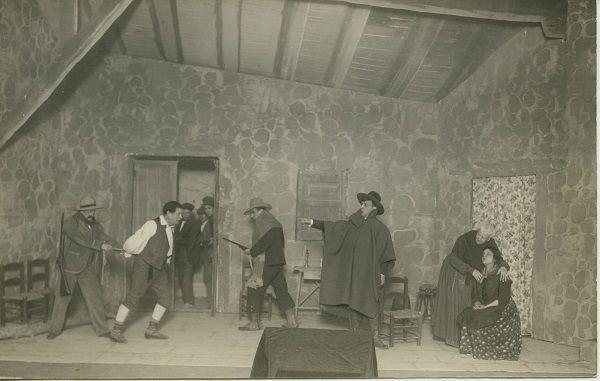 Valencia, diciembre de 1922. En el teatro Olympia, una escena de la tragedia aldena de Fernando Lluch, «El Aguijón», estrenada por Enrique Borrás.