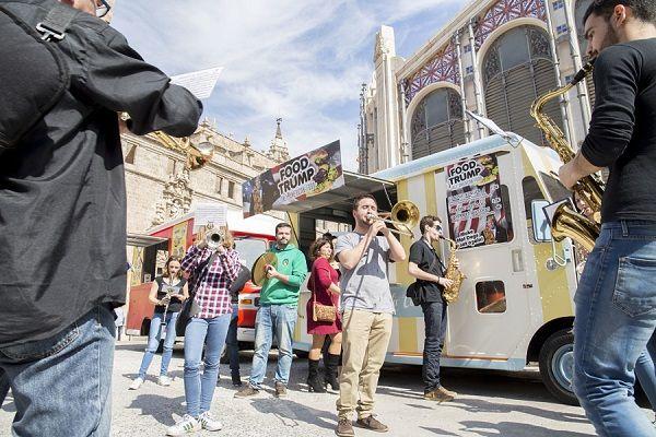 Motorshow FoodTruck Fallas, street food en los días falleros valencia