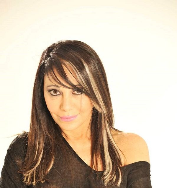 Adriana Varela interpreta el tango en el escenario del Olympia valencia