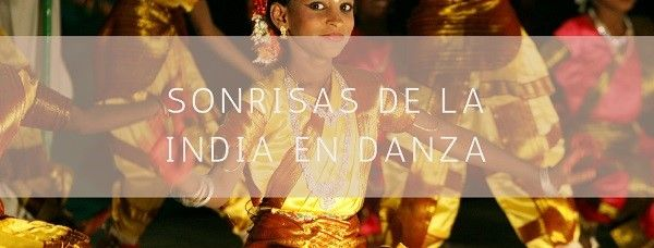 Sonrisas de la India en danza
