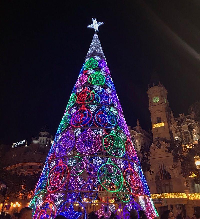 iluminación arbol navidad ayuntamiento