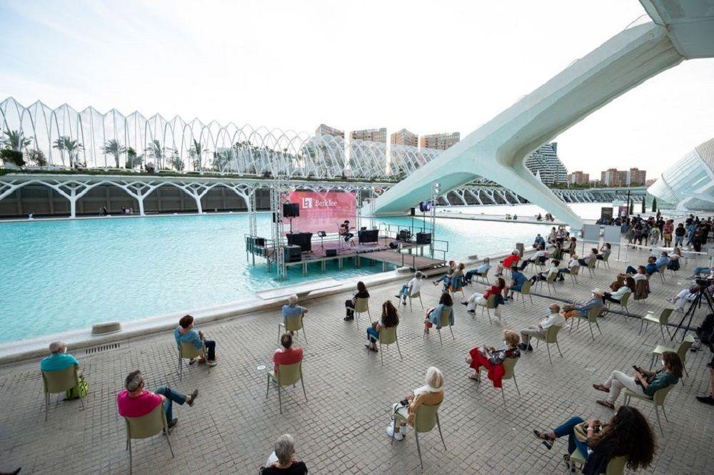 Conciertos gratuitos en la Ciudad de las Artes y las Ciencias con Berklee: Un lago de conciertos valencia