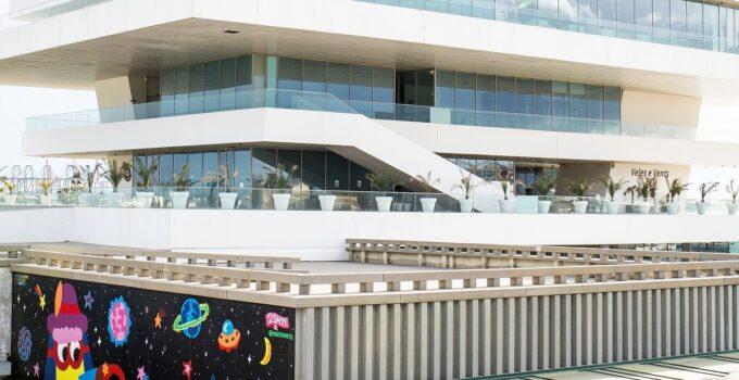 El arte urbano inunda La Marina de València
